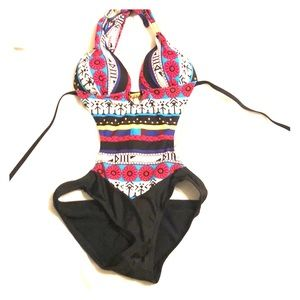 One piece bathing suit sz large never worn